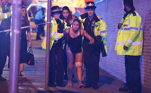 На найбільшому критому стадіоні Європи вибух під час концерту: 22 загиблих (ВІДЕО)