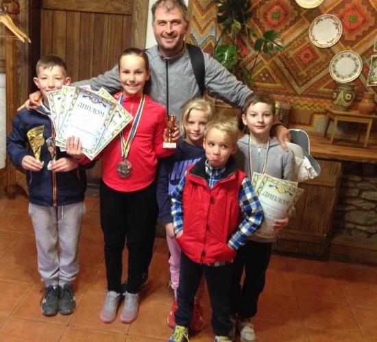 Франківські тенісисти вибороли 10 нагород на міжрегіональних змаганнях (ФОТО)