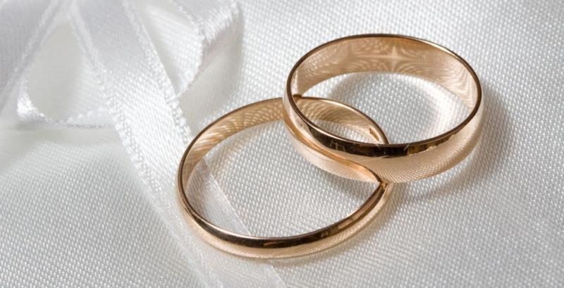 """За рік понад 7 700 закоханих пар уклали """"Шлюб за добу"""" на Прикарпатті"""