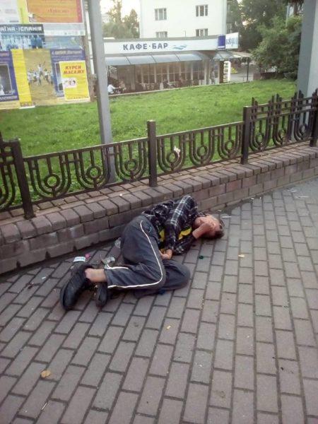 Франківська поліція розігнала з вокзалу та привокзального скверу безхатьків і ромів
