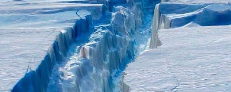 Вчені розповіли про загрози від найбільшого айсберга в світі (ВІДЕО)