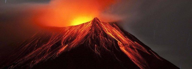 В Італії прокинувся Везувій і влаштував масштабні пожежі (ФОТО)