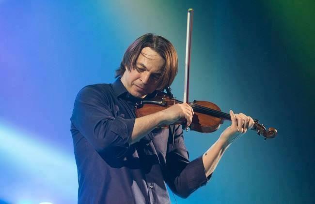 Відомий український музикант зіграв на скрипці зі скла (ВІДЕО)
