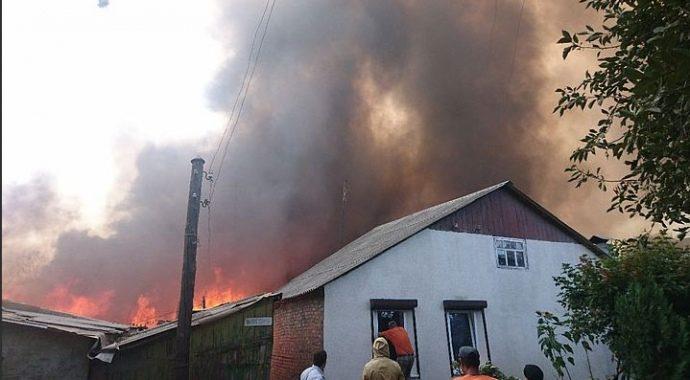 У російському Ростові-на-Дону горять 25 житлових будинків (ФОТО)