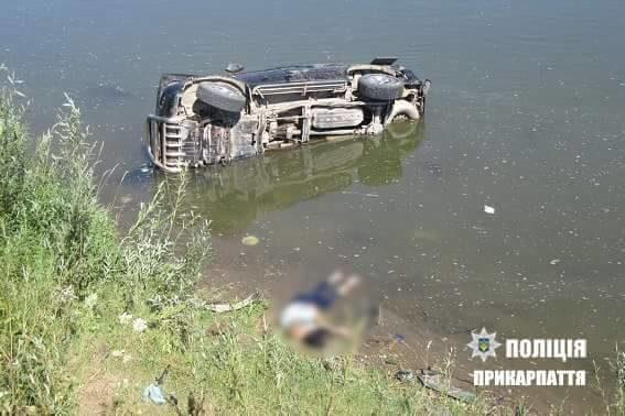 Подробиці смертельної пригоди: водій позашляховика, котрий впав у Дністер, був п'яний (ФОТО)