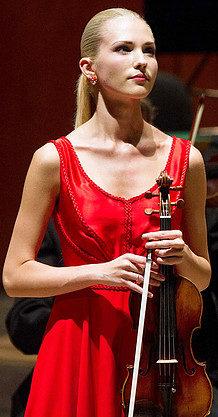 Photo with Paganini's violin, Il Cannone