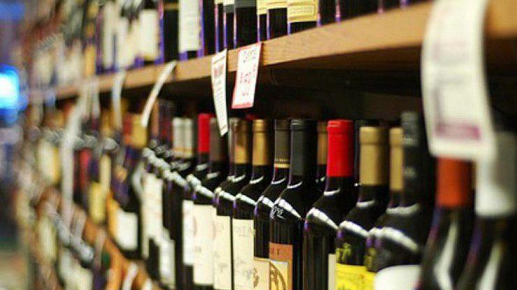 Магазини Франківська оштрафували на 55 тисяч гривень за продаж алкоголю і цигарок без чеків