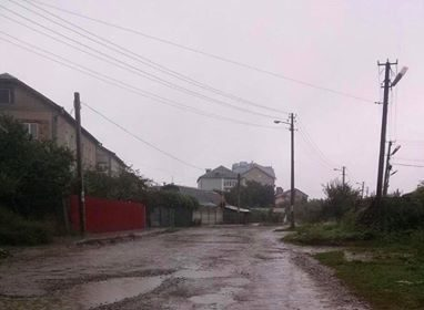 Джерельна зникла під покровом води, – франківка скаржиться на стан однієї з вулиць міста (ФОТО)