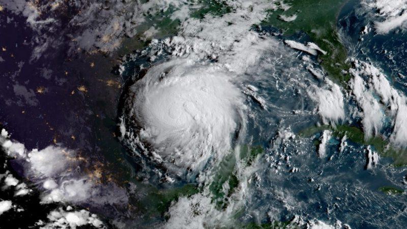 """Ураган """"Ірма"""": зруйновано два острови, семеро загиблих"""