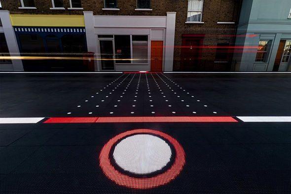 """У Лондоні представили """"розумну зебру"""" для пішоходів і водіїв"""