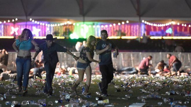 У Лас-Вегасі чоловік з вікна готелю розстрілював глядачів музичного фестивалю, 50 осіб загинули