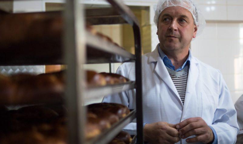 Шкільну кочегарку на Коломийщині перетворили в унікальну хлібопекарню (ФОТО)