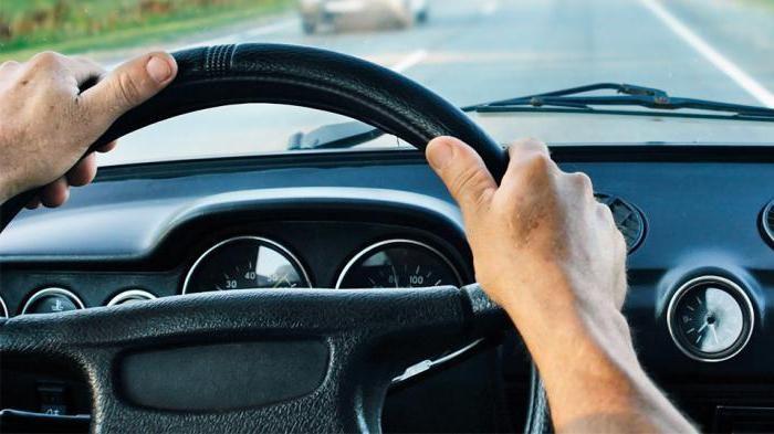 На Снятинщині під час перекриття руху водій наїхав на пішоходів (ФОТО)