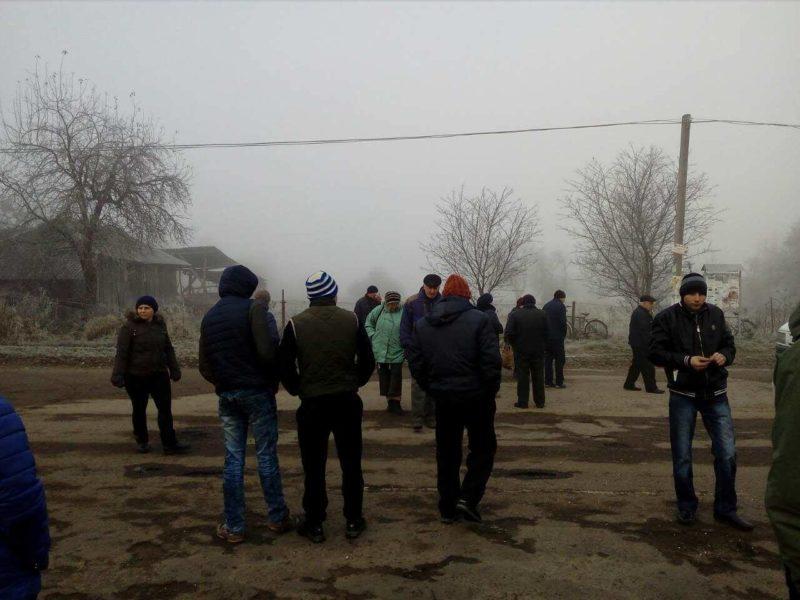 На Калущині люди знову перекрили дорогу