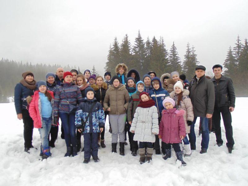 Школярі з Чернігівської області провели різдвяні свята на Долинщині (ФОТО)