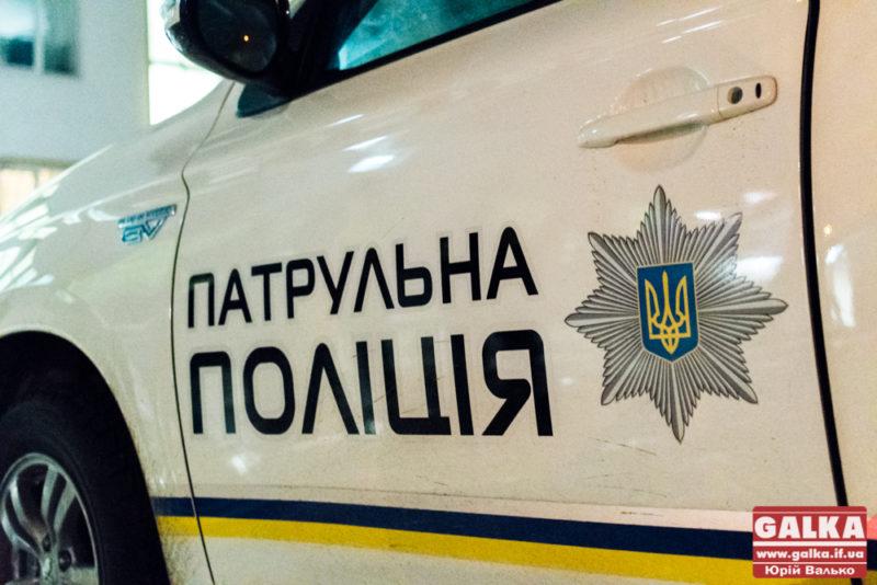 Вночі у Франківську водій втікав від патрульних – розбив три службові машини, двоє поліціянтів отримали травми (ФОТОФАКТ)