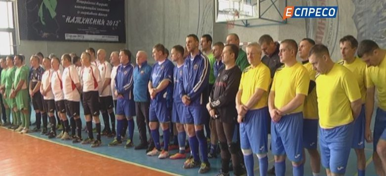 На Прикарпатті загиблих атовців вшанували футбольним турніром (ВІДЕО)