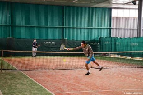 Тенісисти-аматори позмагалися у Франківську