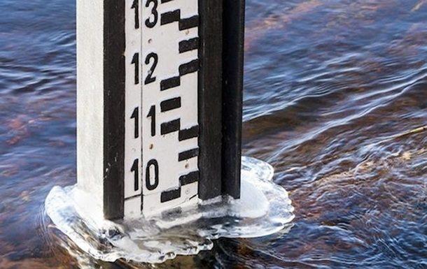 Прикарпатців попереджають про суттєвий підйом води в річках області