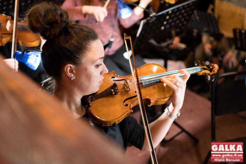 симфонічний оркестр-8134