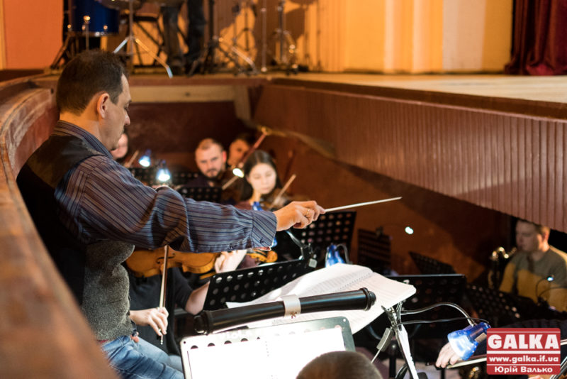 симфонічний оркестр-8141
