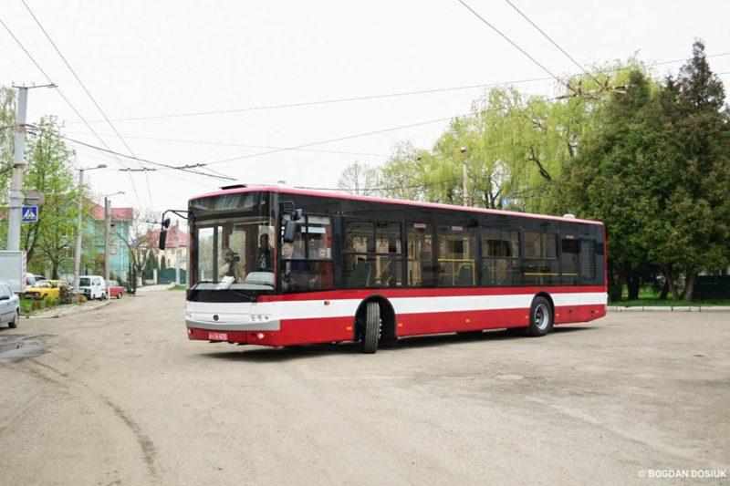 Приїхав перший новий автобус, який незабаром курсуватиме у Франківську (ФОТО)