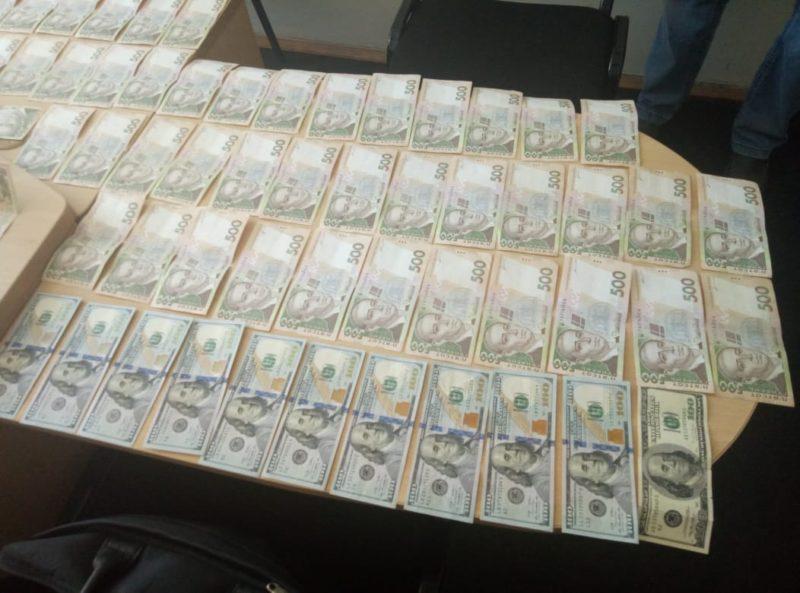 """На Прикарпатті викрили """"пральню"""" з оборотом 28 мільйонів гривень (ФОТО)"""