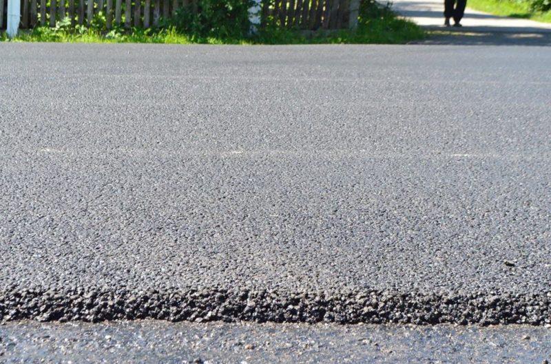 У Калуському районі ремонтують дорогу (ФОТО)