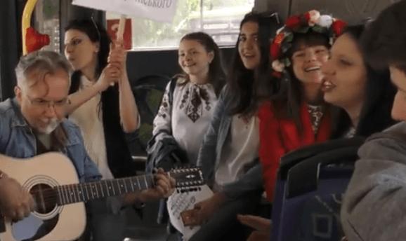 Як музичний тролейбус вулицями Франківська курсував (ВІДЕО) e9214887e251d