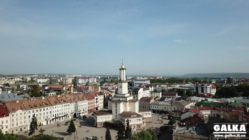 535 осіб і 19 мандрівок: у Франківську завершився сезон безкоштовних екскурсій