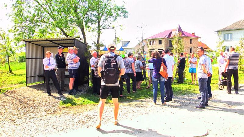 Нову зупинку громадського транспорту відкрили у Коломиї (ВІДЕО)