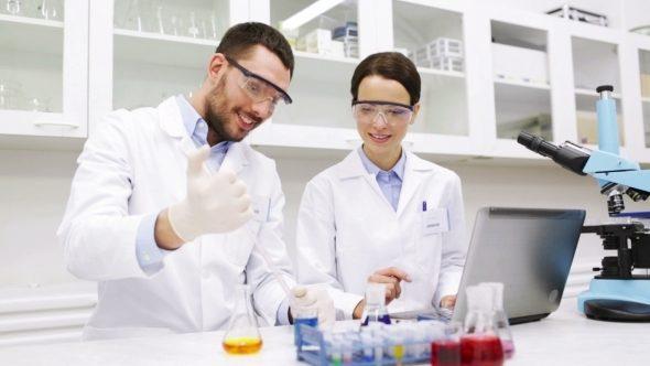 Майже 600 науковців працювали на Прикарпатті в минулому році