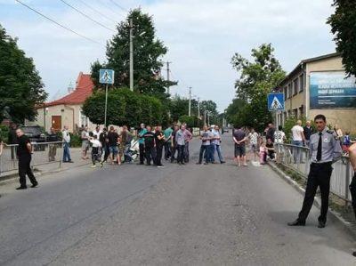 Сьогодні у центрі Болехова люди блокуватимуть трасу через погану дорогу