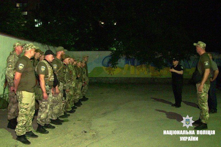 Додому зі сходу України повернулися прикарпатські правоохоронці (ФОТО)