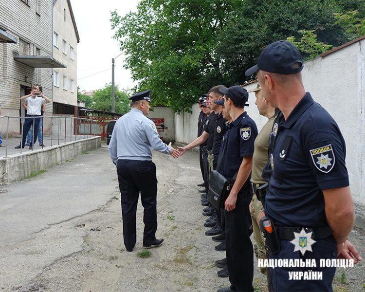 Прикарпатські правоохоронці поїхали у службове відрядження на Донеччину (ФОТО)