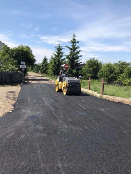 У Богородчанах активно ремонтують дороги (ФОТО)
