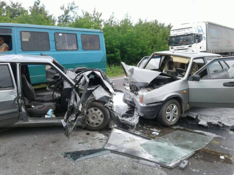 Смертельна ДТП на Прикарпатті: зіткнулися дві автівки (ФОТО)
