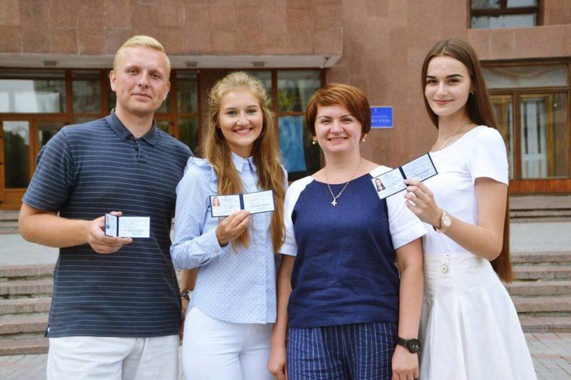 В Івано-Франківську випускники школи депутата місцевої ради отримали посвідчення помічників-консультантів (ФОТО)
