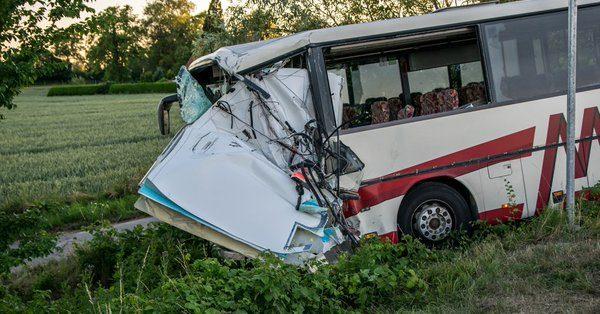 У Німеччині автобус із 42 дітьми потрапив у ДТП, є постраждалі