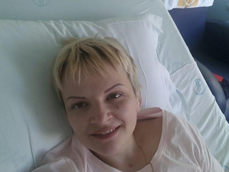 У Португалії, після тривалого лікування, померла мама трьох малих дітей з Франківська. Родині потрібна допомога