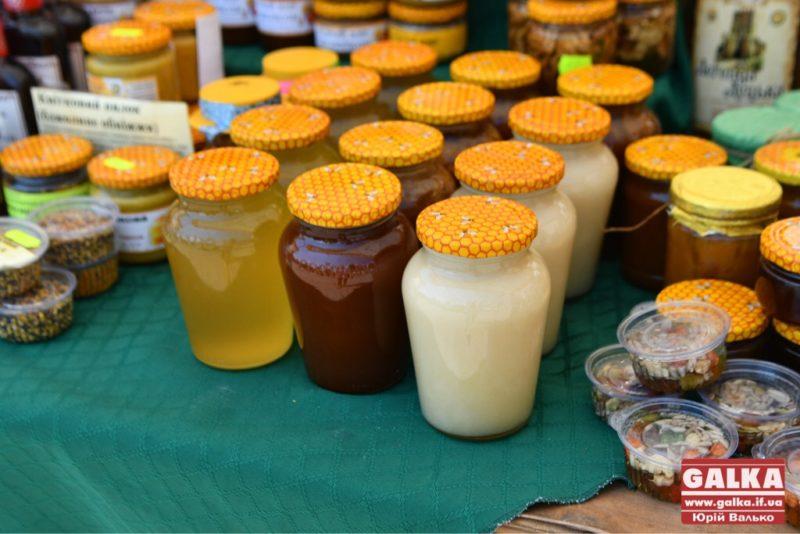 Галка рекомендує : 9 позитивних речей, які відбудуться, якщо їсти мед щодня
