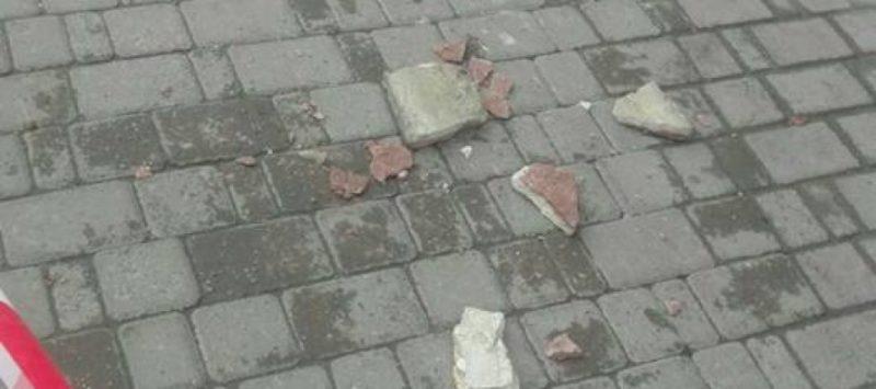 У центрі Франківська осипалася частина будівлі