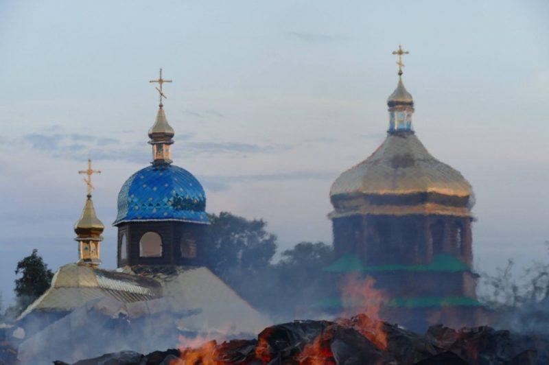 На Прикарпатті замість згорілої дерев'яної церкви збудують цегляну (ФОТО)