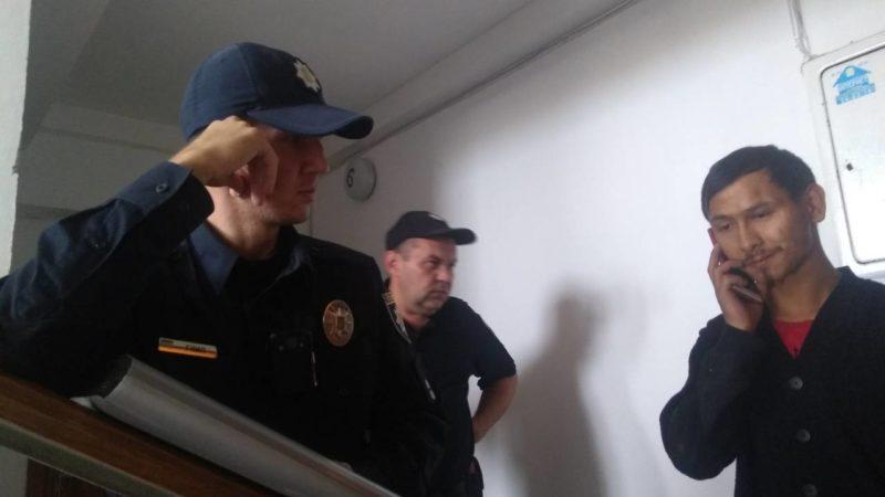 Франківка стверджує, що спіймала злодія, а патрульні його відпустили. У поліції своя версія (ФОТО, ОНОВЛЕНО)