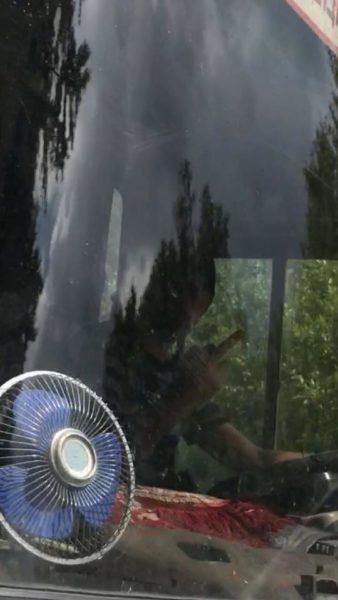 Давай готівку: водій приміського автобуса не брав у рейс пасажирів з квитками (ФОТОФАКТ)