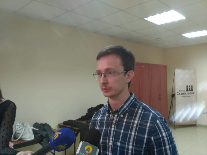 Швидкість, безпечність, прозорість: виборчу систему України обговорили у Франківську (ФОТО)
