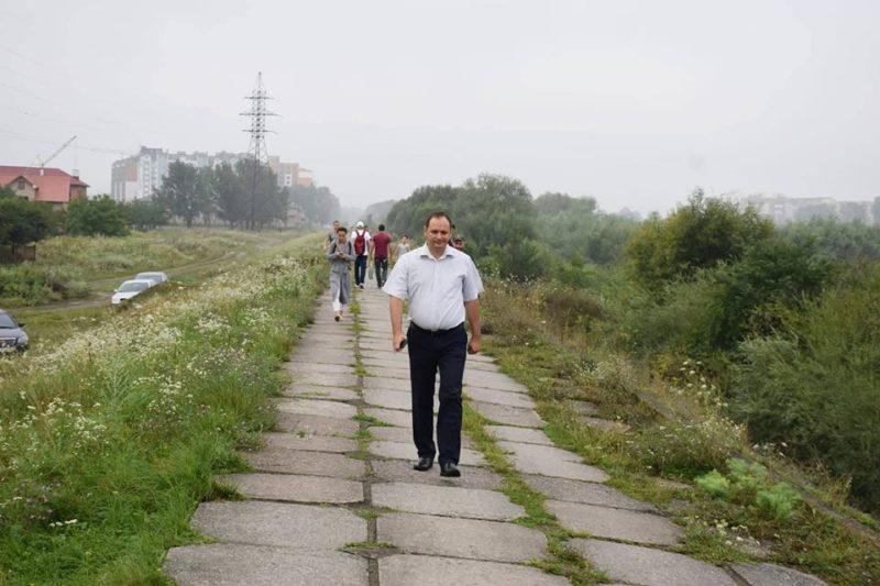 Стихія не обирає, – міський голова звітує про укріплення дамби (ФОТО)