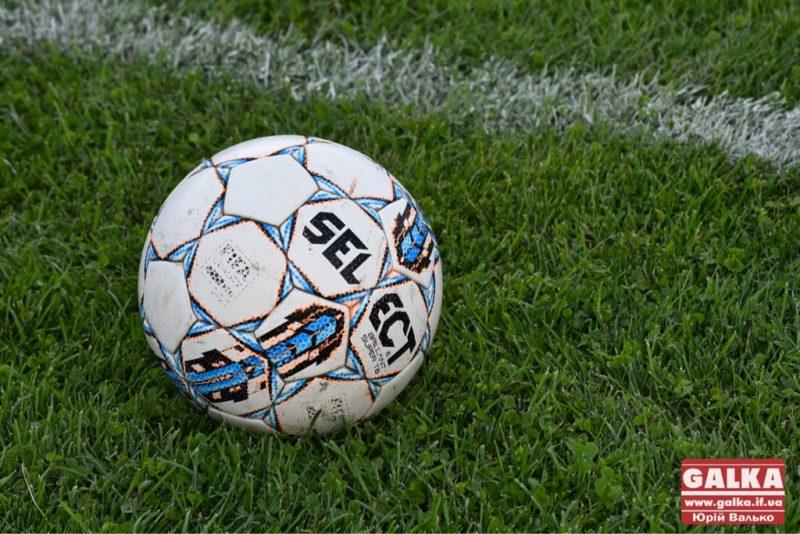 """Гравці """"Прикарпаття"""" поділилися футбольним досвідом з франківськими школярами (ВІДЕО)"""