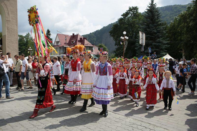 Як у Яремче грандіозний гуцульський фестиваль святкували (ФОТО)