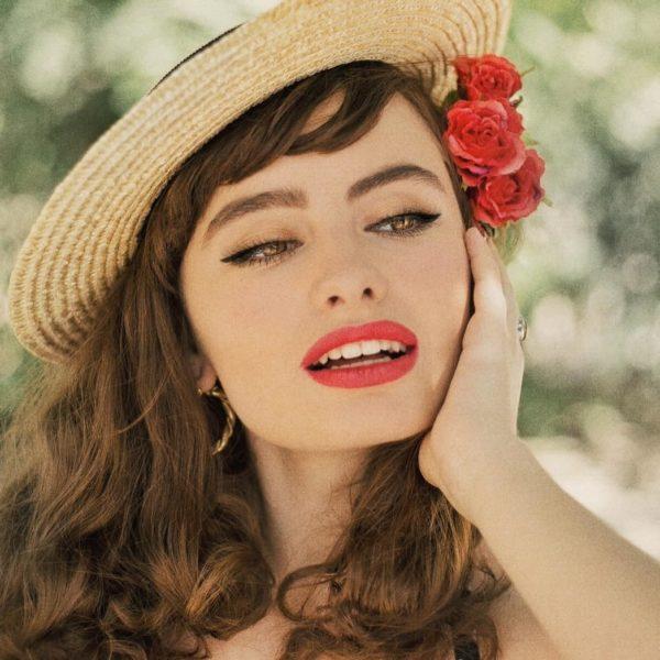 Київська блогерка через красу та образ жінки показала розвиток історії нашої держави (ВІДЕО)